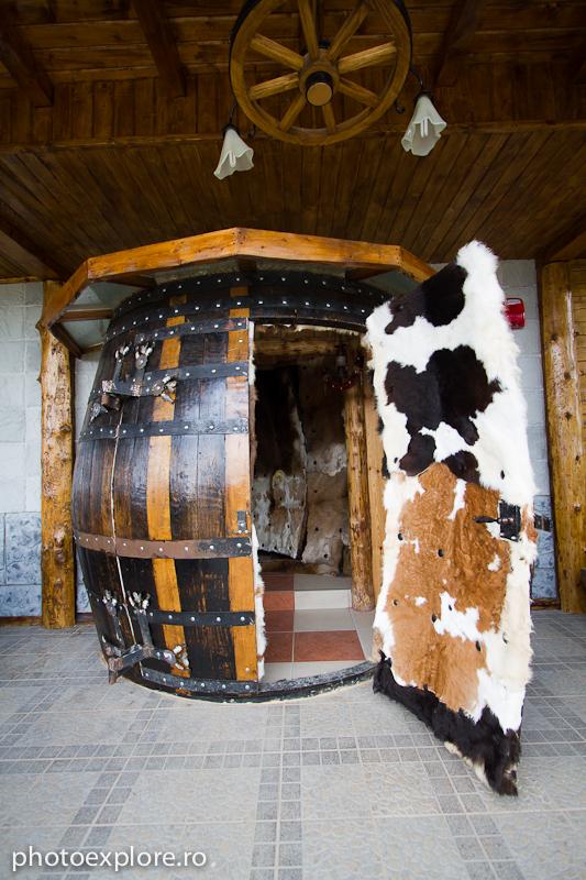 Cabana Ciucas - intrare in cabana