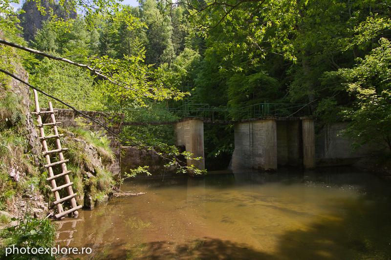 Valea lui Stan -- sfarsit traseu, barajul